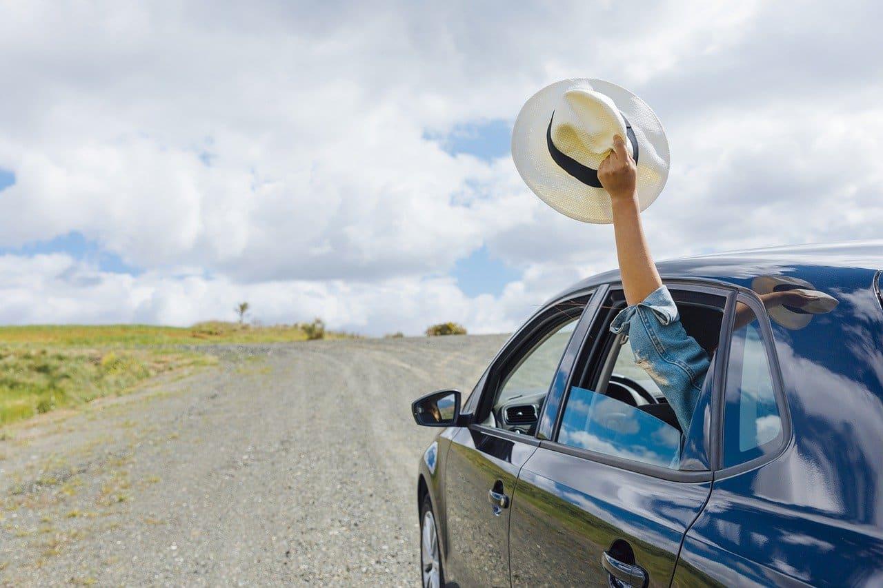 Vous pensez louer une voiture durant votre voyage, faites attention à ces 5 pièges